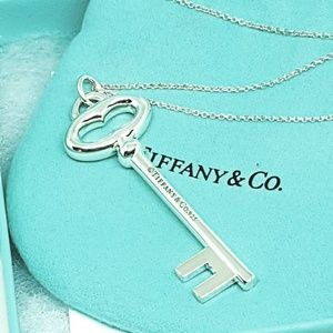 🔑Tiffany and Co. Sterling Silver Key Necklace 🔑